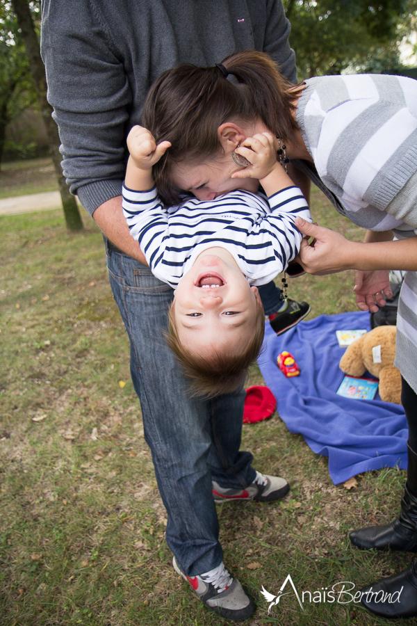 seance enfant en famille, Toulouse, Anais Bertrand photographe famille