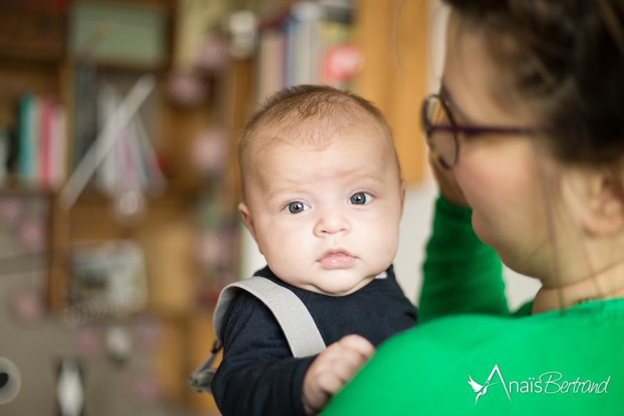 seance naissance a domicile - Anais Bertrand photographe naissance et famille