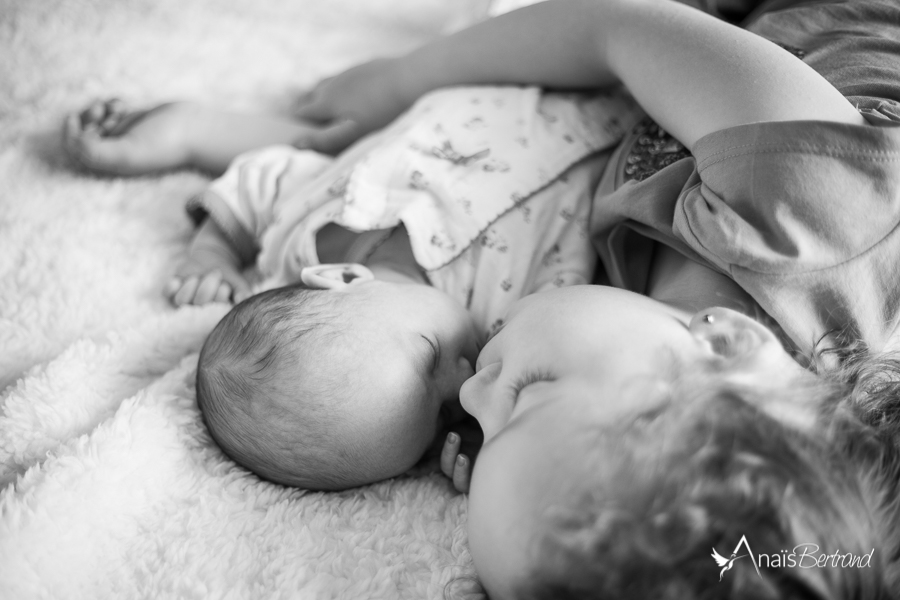 naissance-petite-soeur-photographe-famille-toulouse-anais-bertrand