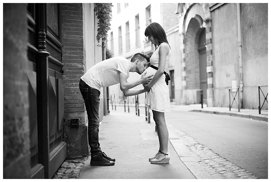 photographe-grossesse-couple-rue-toulouse-anais-bertrand