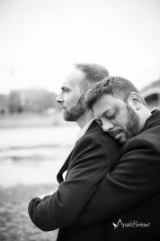 seance-lifestyle-couple-toulouse-anais-bertrand-photographe_portrait-couple-gay