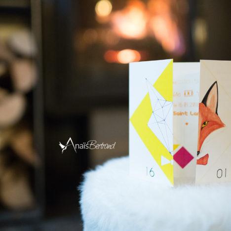 Faire-part mariage sur-mesure et ensemble de papeterie {renard / origami / fluo}
